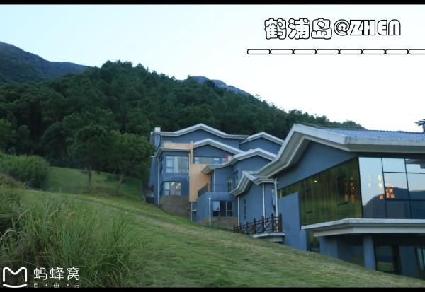 石浦 游记   入住酒店后休息片刻去鹤浦镇晚饭,车程半小时,因为是山路