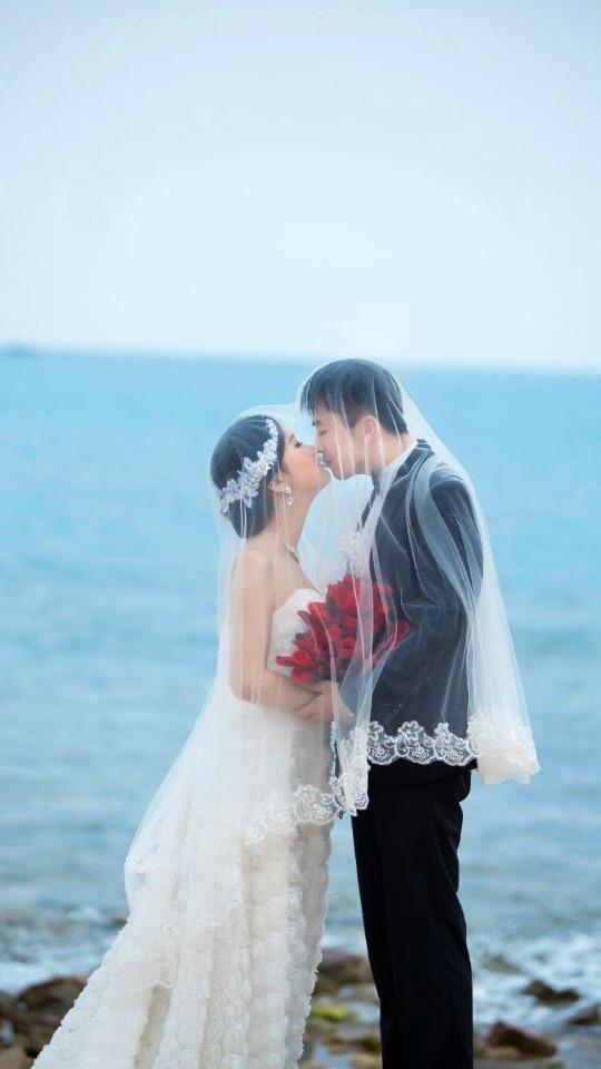 婚纱照定制三部曲:山东青岛韩式婚纱照团购哪家好
