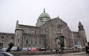 【爱尔兰图片】英爱深度游之二十六-------- 游览爱尔兰西部港口戈尔韦市容,参观《圣尼乔斯拉》大教堂