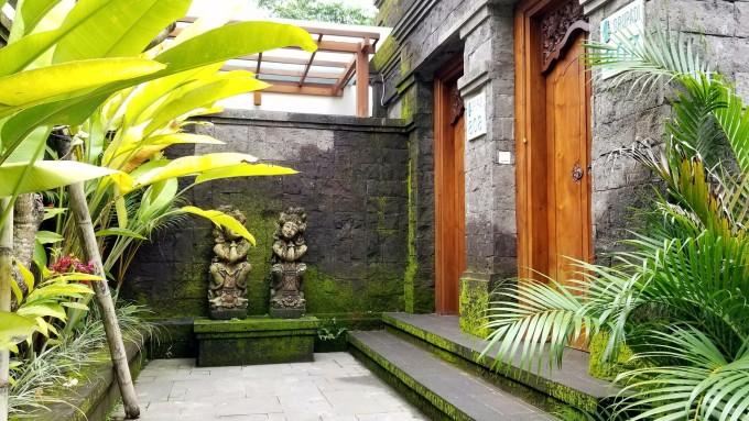 巴厘岛乌布皇家郁金香维式酒店