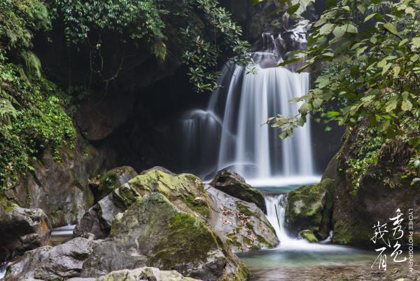 壁纸 风景 旅游 瀑布 山水 桌面 600_401