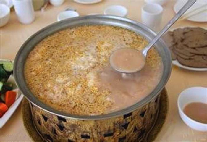 呼伦贝尔旅行,你有感受过蒙古族美食吗?是什
