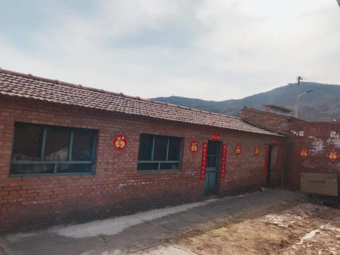 我的家乡,是一个不知名的小村庄,到上海打拼已经2年有余,我们习惯了