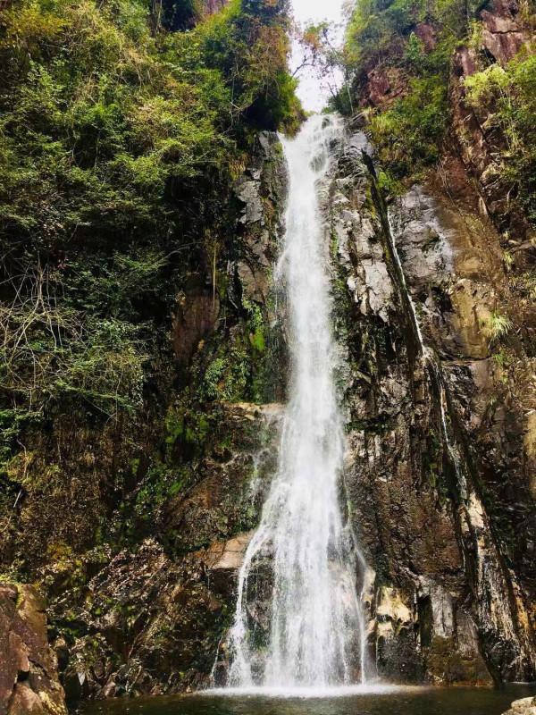 壁纸 风景 旅游 瀑布 山水 桌面 600_800 竖版 竖屏 手机