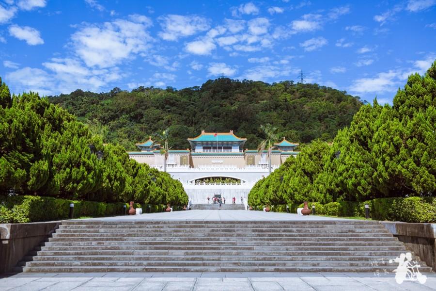 去云南旅游跟团好还是自由行好图片
