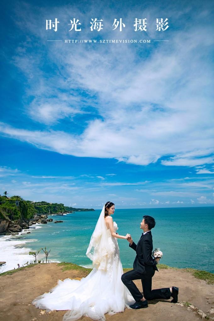 海滩婚纱照_海滩礁石飘纱婚纱照