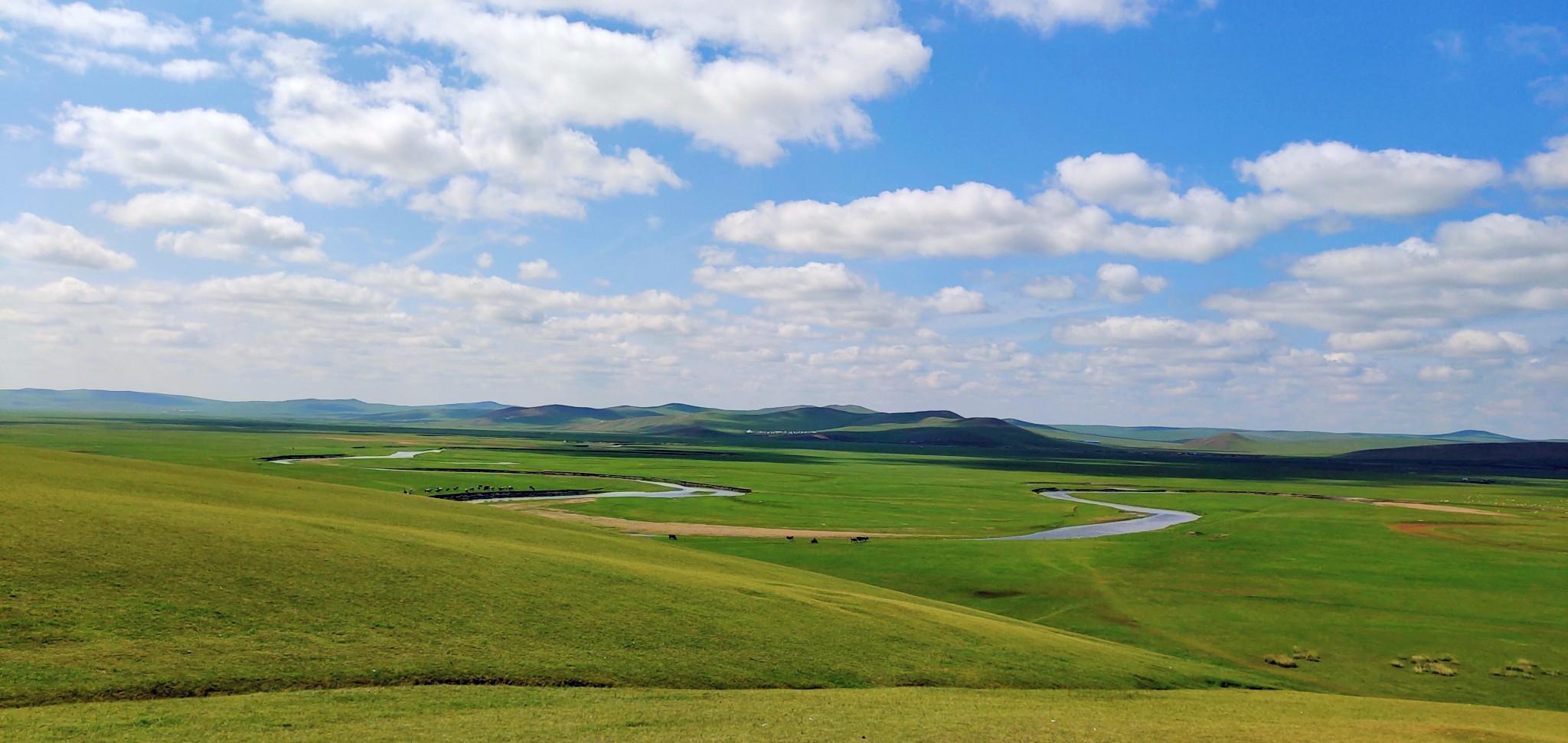 ·解锁呼伦贝尔 -- 蓝天、白云、绿水、青山 以及让我们沉醉的草原!_游记