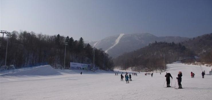 亚布力广电国际中心滑雪场