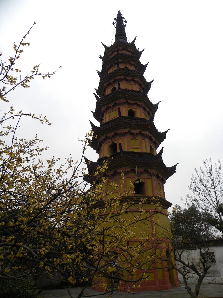 上方山上的楞伽塔就是其中之一