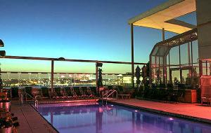 纽约娱乐-Plunge Rooftop Bar + Lounge