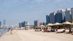 阿布扎比景点-滨海海滩公园(Corniche Beach)