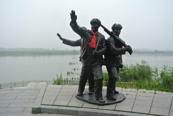 公路勘测人物雕塑