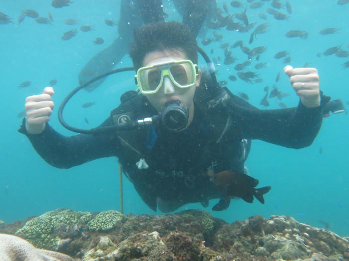 潜水能不能带隐形眼镜?看不清怎么办?