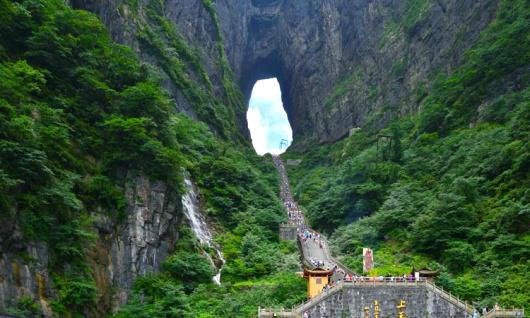 【张家界参团】大峡谷玻璃桥/天门山玻璃栈道/黄龙洞
