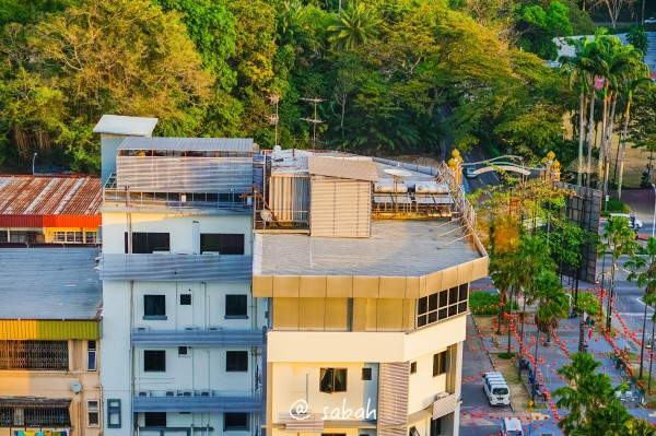 楼顶泳池现代别墅
