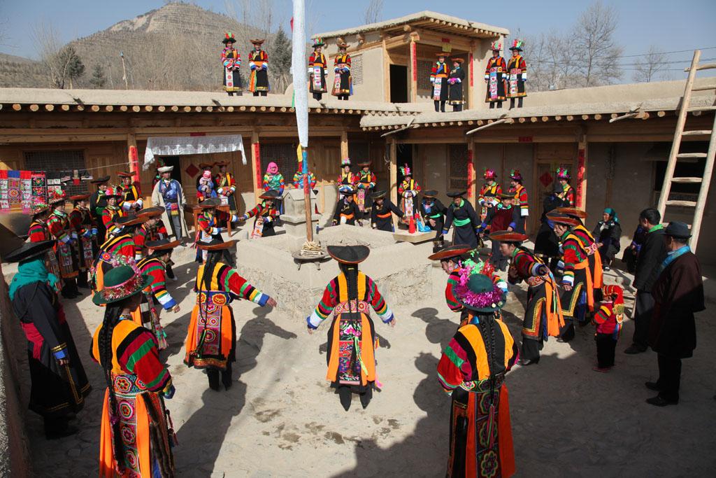Huzhu Tu Ethnic Tours