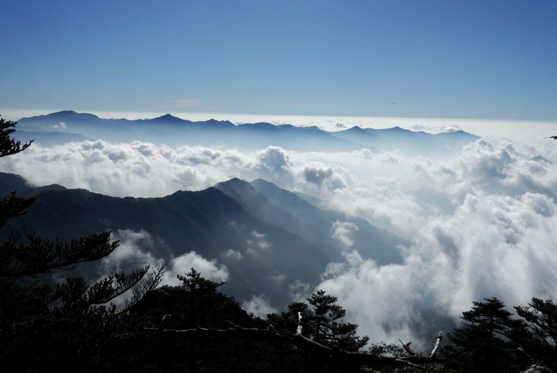 海拔3106.2米的华中屋脊