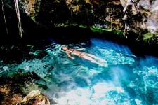 墨西哥的cenote洞潜